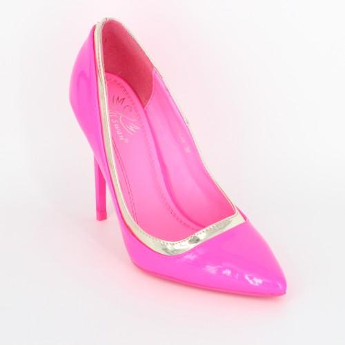 Pantofi roz bombon
